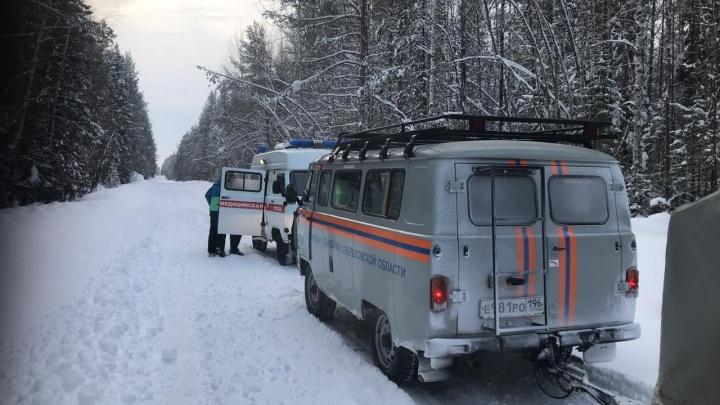 Спасатели эвакуировали туристку, которая заболела во время похода по Северному Уралу