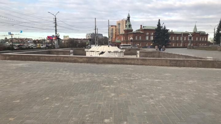 Омичам предложили придумать идеи для нового дизайна Театральной площади