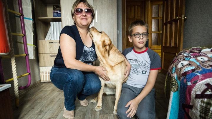 В темноте. Истории трех незрячих мам из Новосибирска, которые никогда не увидят внешность своих детей