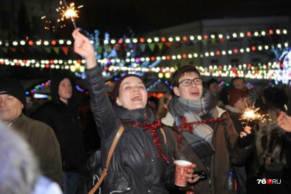 Праздничные гулянья на Советской площади начнутся с 15 декабря