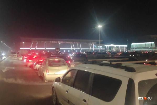 Водители жалуются на недостаток навигации по парковке