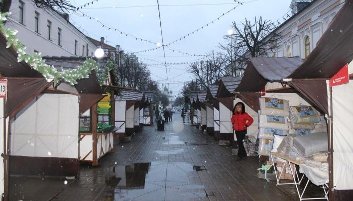 «Трусами торгуют на главной улице!»: власти назвали ошибкой ярмарку на Кирова