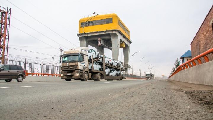 «Огромная колея!»: на Жигулёвской ГЭС просел недавно отремонтированный асфальт