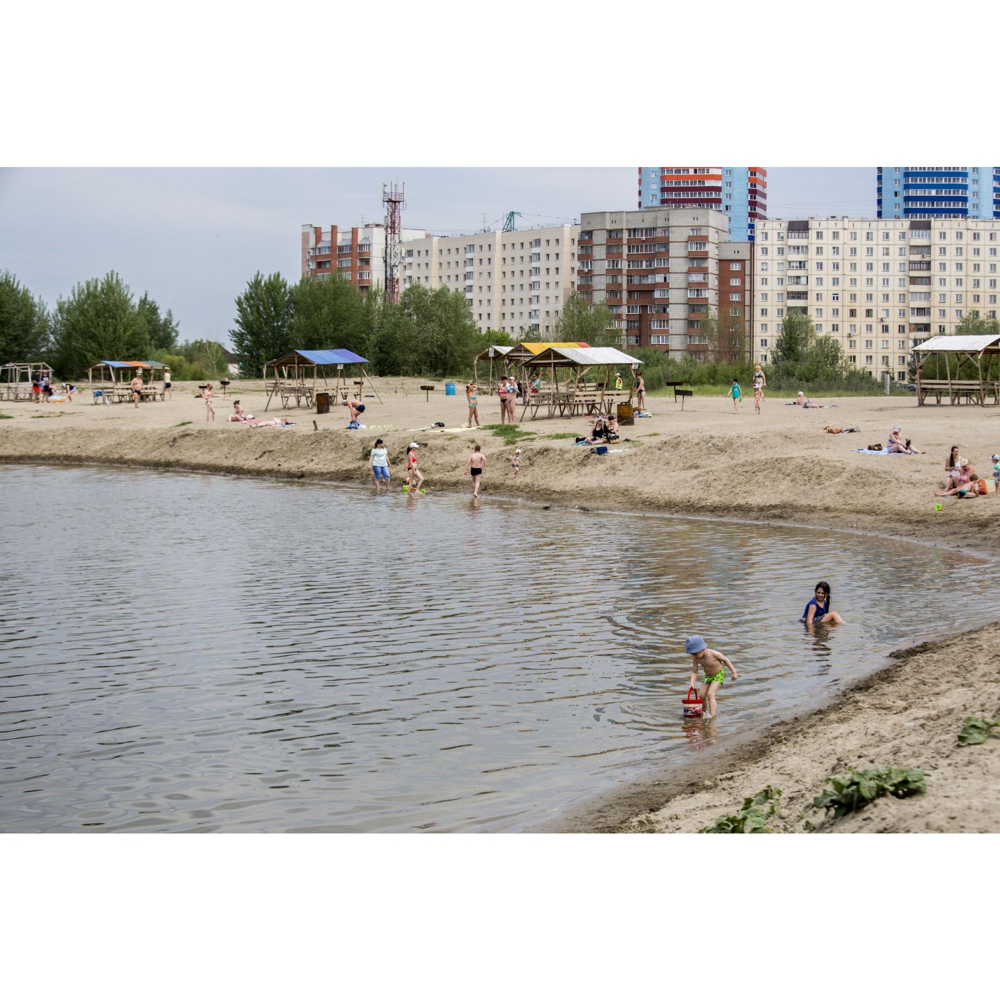 Штраф для купающихся тут — от 300 до 800 рублей. Протоколы составляют только два человека в городе —они работают в районных комиссиях. Но работать они могут  только вместе с полицией, добавил Шилов