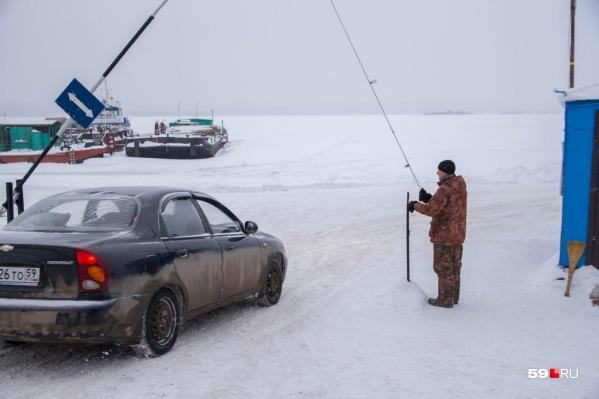 Выезжать на ледовую переправу в оттепель опасно