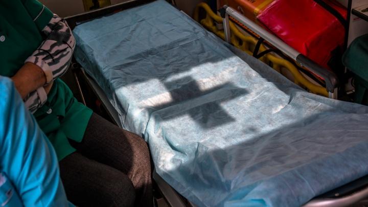 В Самаре водитель тягача умер во время ремонта машины