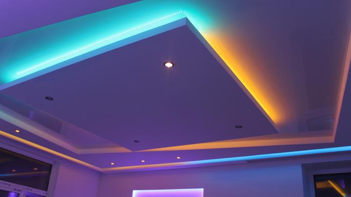 На светлой стороне: необычные приборы освещения появились в магазинах города