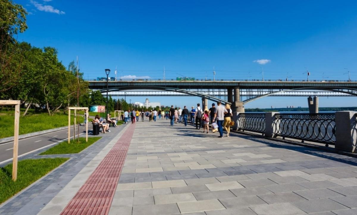 Облагораживание Михайловской набережной в Новосибирске идет полным ходом