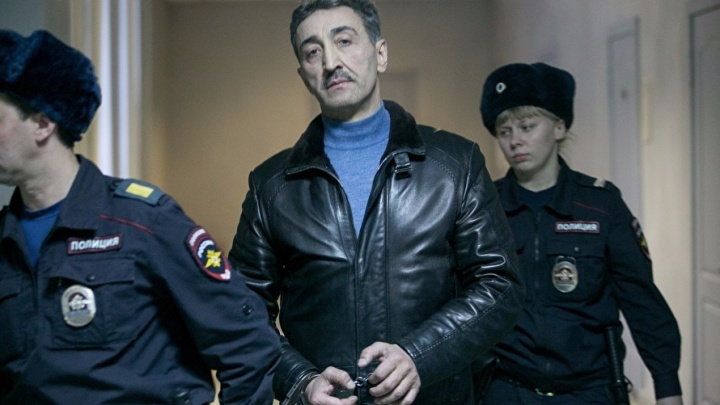 Знаменитого адвоката, обещавшего договориться с полицией за 5 млн, будут судить за мошенничество