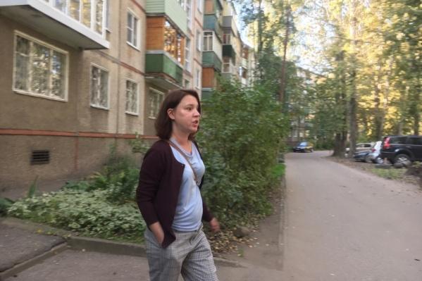 Елена Лекиашвили уехала утром из дома вместе с правоохранительными органами