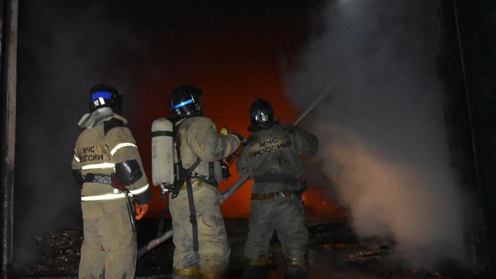 Пожар в вагоне-бытовке в тюменском селе унес жизнь человека