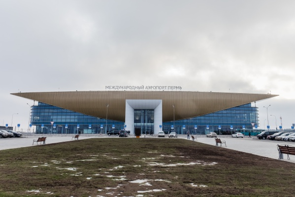 Пермский аэропорт принял самолет Красноярск — Москва, запросивший разрешение на посадку из-за плохого самочувствия пассажира