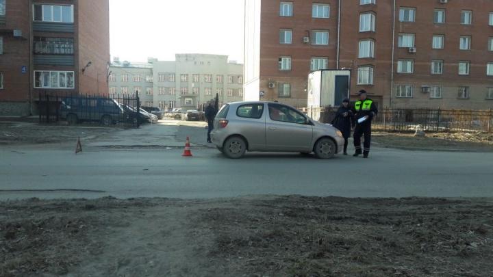 Школьница попала под колёса «Тойоты Витц»: пострадавшую увезли врачи