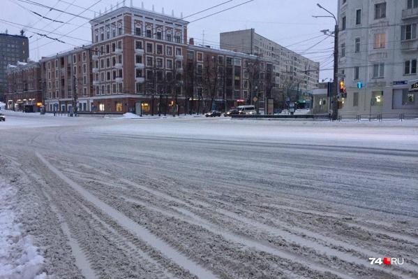 Последний снегопад пришёлся на выходные. Проспект Ленина дорожники почистили