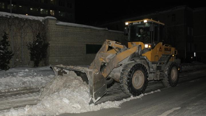 Уберите машины с проезжей части. Публикуем список нижегородских улиц, которые ночью очистят от снега