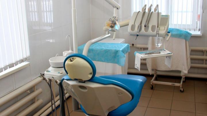 «Сейчас такие зубы не носят»: пчеловод отсудил у стоматологов 280 тысяч