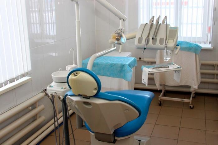 Установка новых зубных протезов обернулась для пациента неприятными последствиями