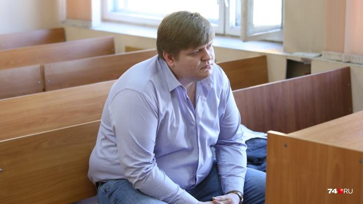 Суд начал рассматривать дело челябинского мажора, разгромившего парковкуна BMW с номерами 666
