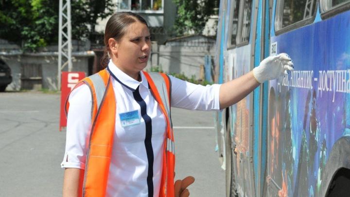 Екатеринбурженка стала лучшим водителем троллейбуса в стране среди женщин