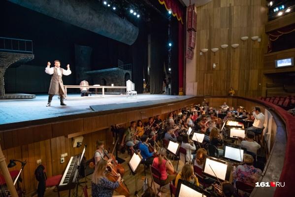 Музыкальная народная драма«Хованщина» посвящена событиям 1682–1689 годов
