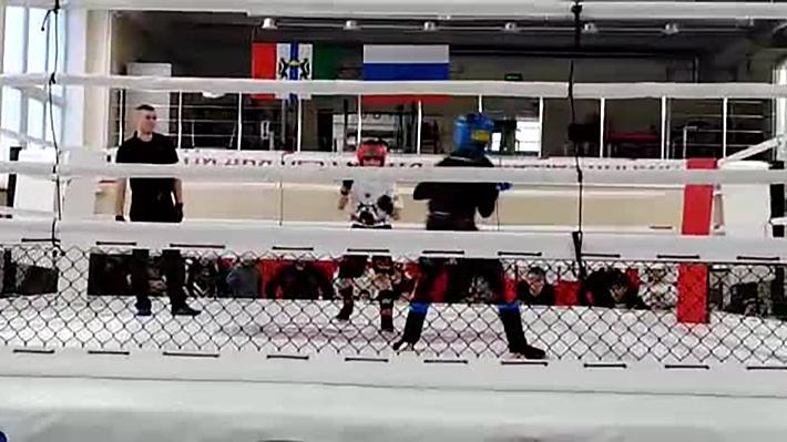 «Рефери почему-то не остановил бой»: 13-летний мальчик попал в больницу после соревнований по MMA