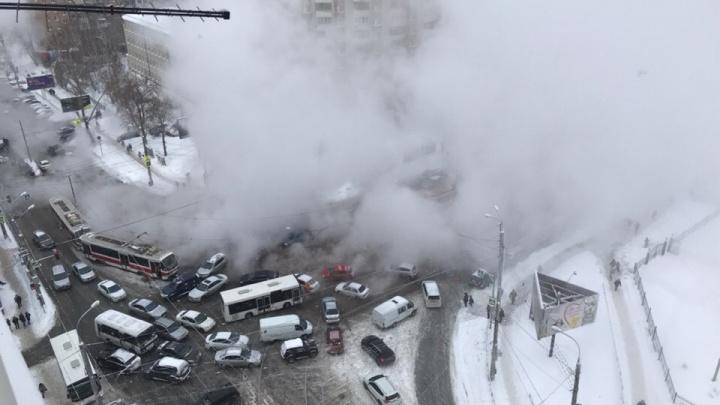 Коммунальный хаммам: как центр Самары затопило из-за прорыва трубы на Первомайской