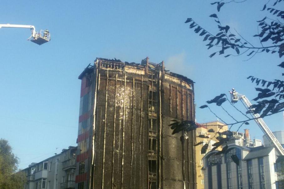 Фасад бизнес-отеля полностью сгорел