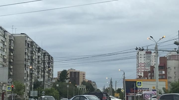 «О какой экономии речь?»: в Челябинске на всё утро оставили включённым ночное освещение улиц