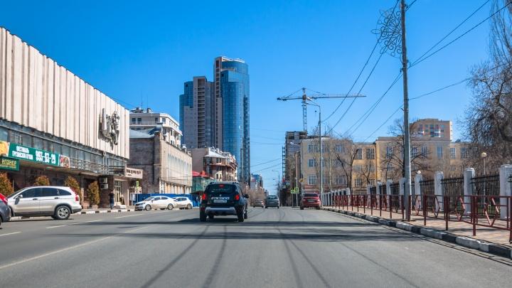 «Самару захватили монстры»: блогер Варламов «прошелся» по новостройкам в центре города