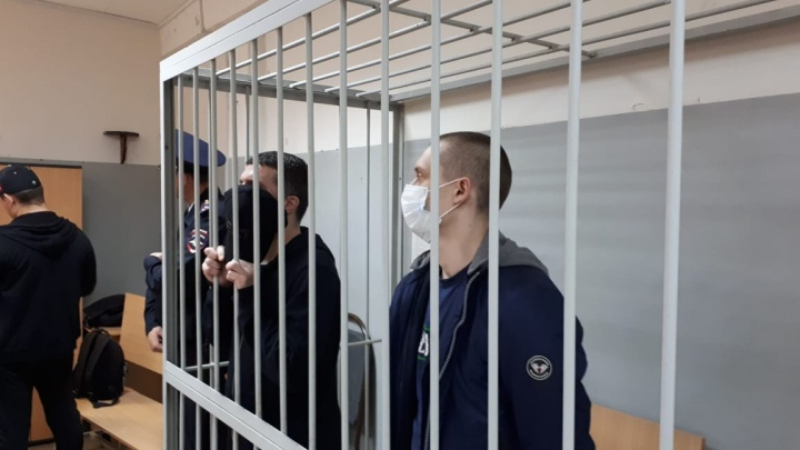 В Екатеринбурге осудили автоугонщиков, которые похищали иномарки с крупных парковок города