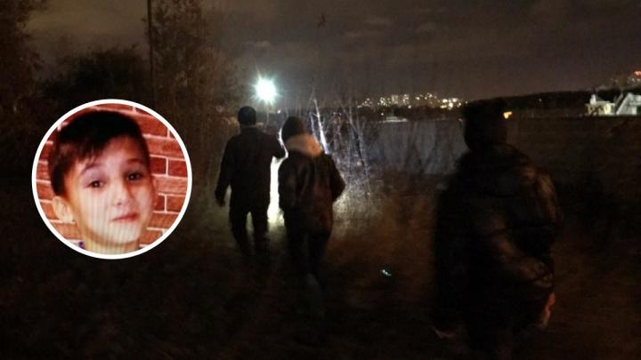 Омские волонтёры с ночи разыскивают пропавшего 12-летнего мальчика без обуви