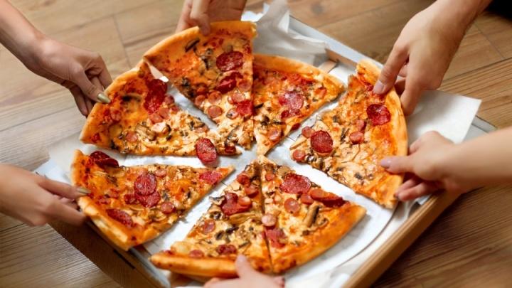 До конца июня каждый сможет попробовать пиццу со вкусом «Кранчабунгас»