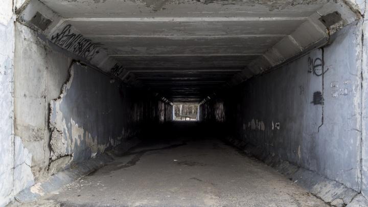 «На Пасху здесь пойдут тысячи волгоградцев»: в Волгограде рушится переход под Третьей Продольной