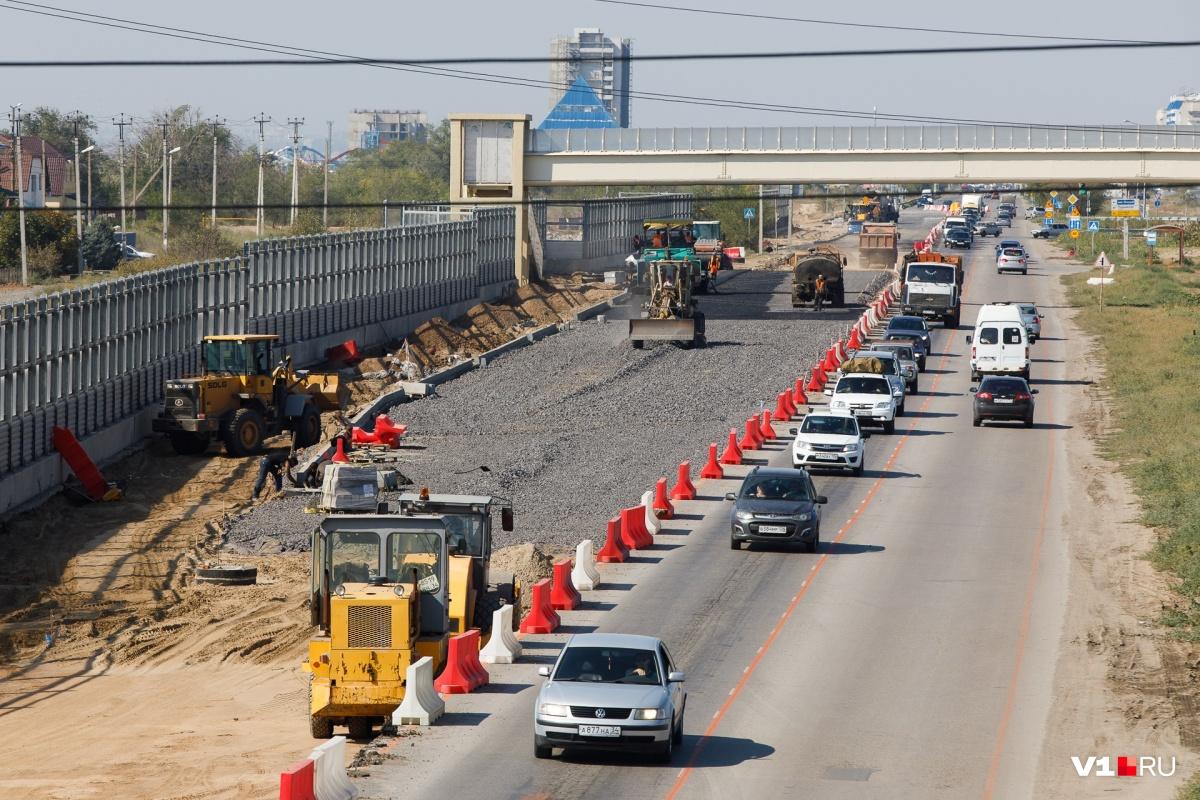 На мосту через Ахтубу до сих пор ведутся работы