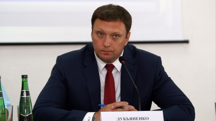 Николай Лукьяненко попрощался с креслом депутата Волгоградской областной думы