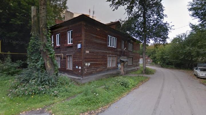 Александр Якоб разрешил екатеринбургскому застройщику снести два старых дома рядом с Белинского