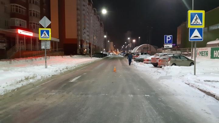 В Тюмени разыскивают водителя, сбившего ночью пешехода. Приметы машины
