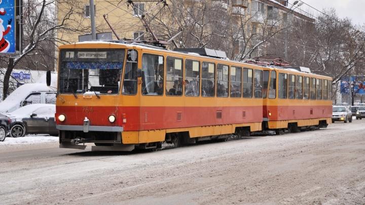 В выходные из-за ремонта путей закроют движение трамваев на Вторчермете
