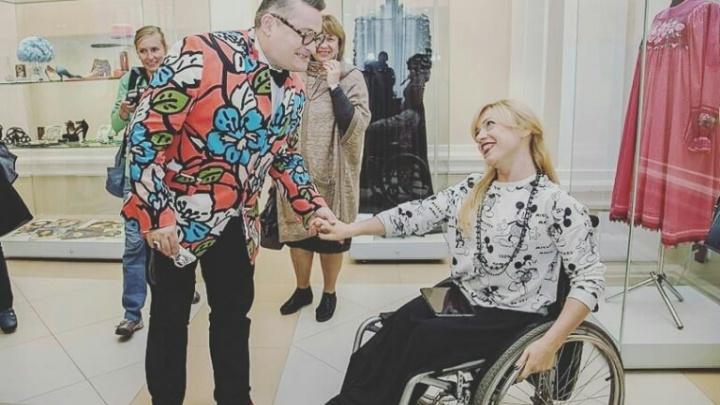Историк моды Васильев показался в эфире «Модного приговора» в брошке, сделанной сибирячкой
