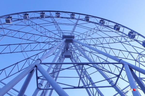 Колесо обозрения в парке Гагарина запустили в конце декабря2018 года