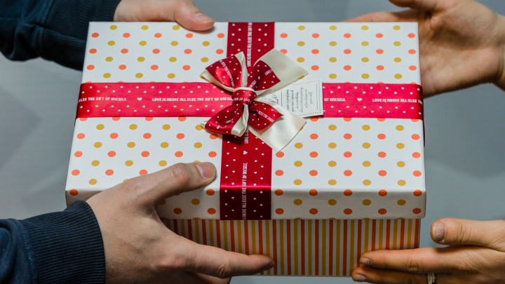Без духов и конфет: 10 неочевидных подарков для мам на 8 Марта