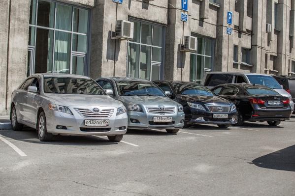 Теперь особые знаки могут появиться на парковках вблизи зданий мэрии и правительства