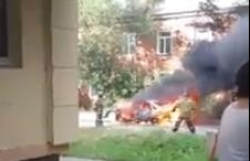Третий автомобиль за сутки сгорел в Красноярске