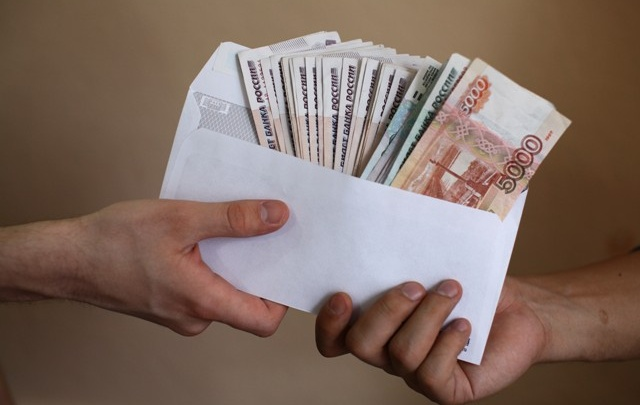Эра конвертных зарплат подошла к концу: как работать законно, узнают бизнесмены
