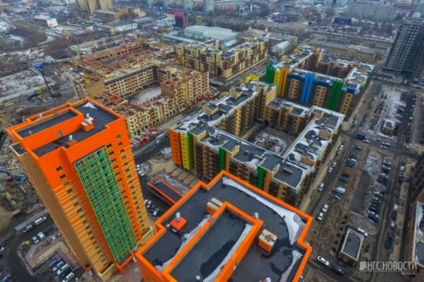 Жителей микрорайона возмутило строительство 4 свечек на первой линии Красноярского рабочего