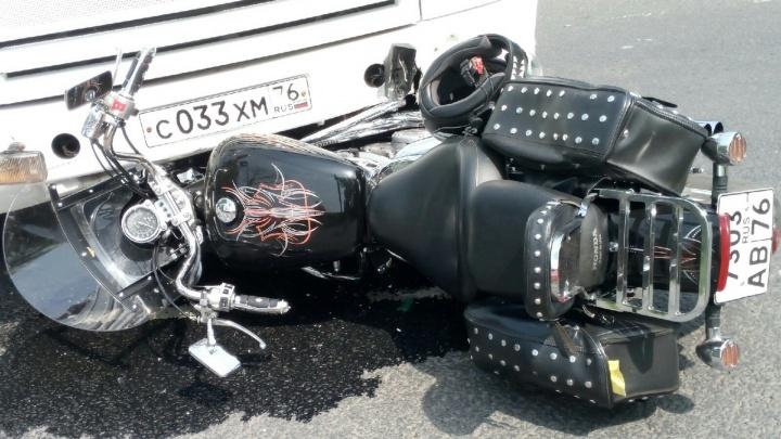 Мотоциклист столкнулся с маршруткой: первые подробности и фото с места ДТП