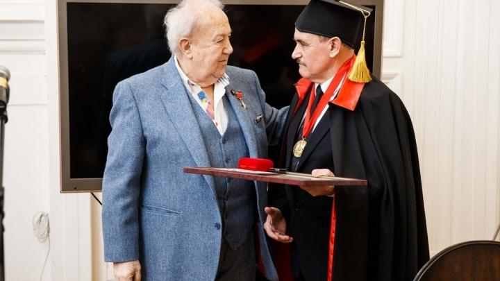 Азовского архитектора наградили золотой медалью Российской академии художеств