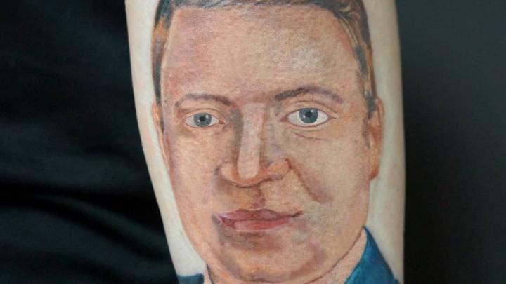 Красноярец сделал татуировку с лицом мэра Сергея Ерёмина