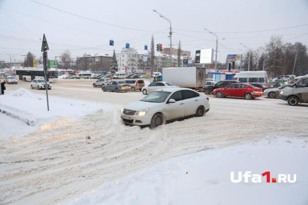 Из-за метели водителей предупреждают об ухудшении видимости