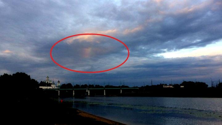 «Кусок радуги застрял в туче»: ярославцы обсуждают необычное небесное явление